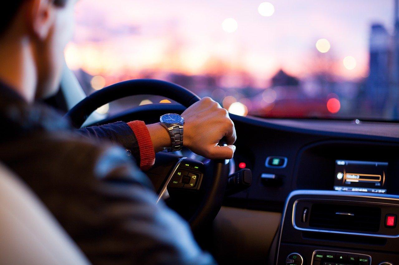 5 elementów samochodu, które należy sprawdzić