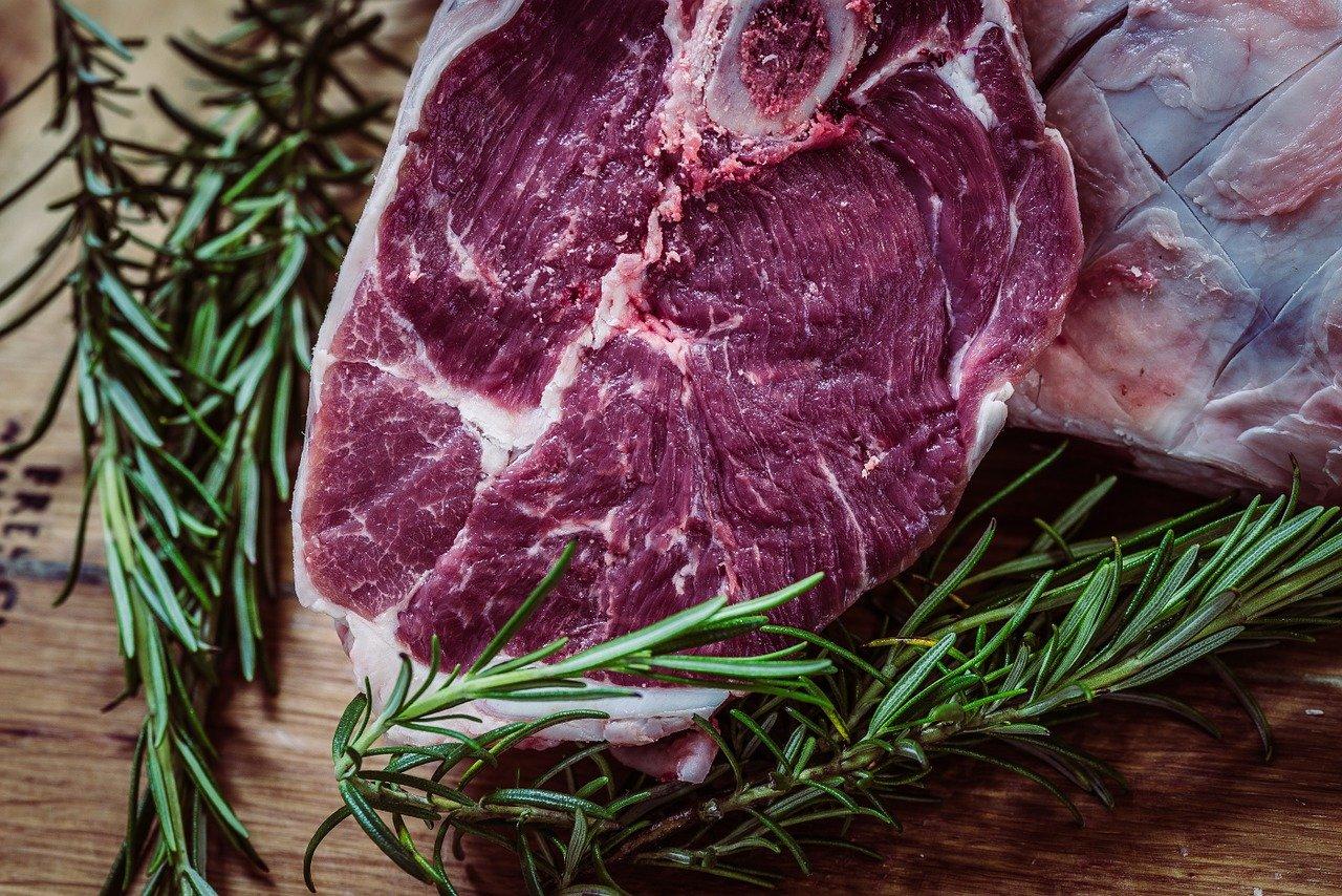 Dania wołowe wolno gotowane – wykwintne i proste w przyrządzeniu